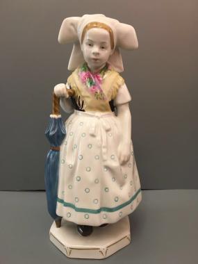Фарфоровая статуэтка - 2