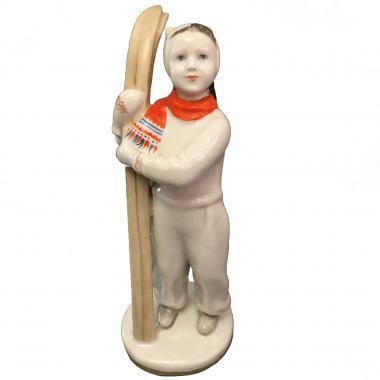 Фарфоровая статуэтка «Лыжница» ЛФЗ