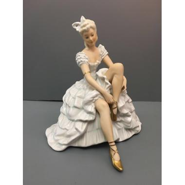 Фарфоровая статуэтка - 4