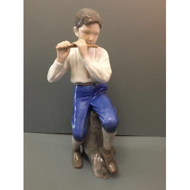 Фарфоровая статуэтка - 3