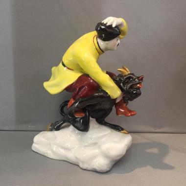 Фарфоровая статуэтка «Вакула на чёрте»
